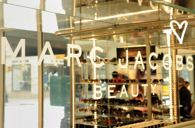 ff0d0ea9f5f0c O endereço já é um velho conhecido das fãs de Marc  Bleecker Street, 385 –  aquela loja de acessórios onde todo mundo parava para comprar bloquinhos de  ...