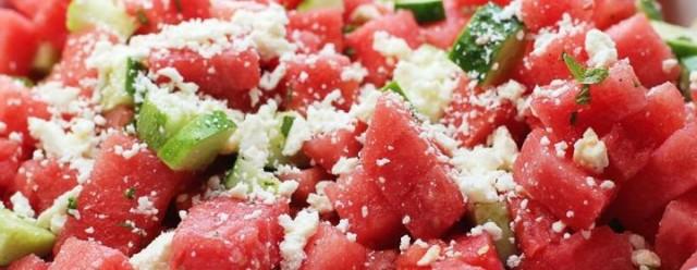 Salada-de-Melancia-Pepino-Menta-e-Queijo-Feta